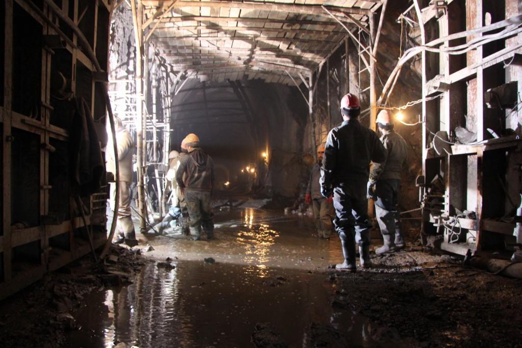 Проходка 14-километрового тоннеля Зарамагской ГЭС-1