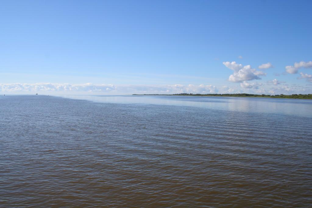 Novgorod_-_Ilmen_Lake_01