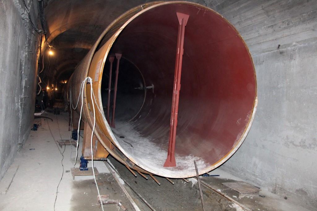 Монтаж субгоризонтального турбинного водовода